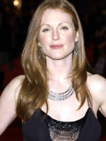 Julianne Moore nude 1 8