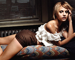 Brittany Murphy nude 2 3